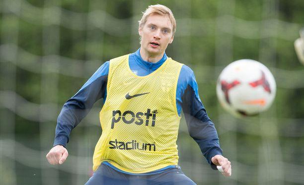 Maajoukkueessakin nähty Tim Väyrynen pelaa ammatikseen Dynamo Dresdenin riveissä.