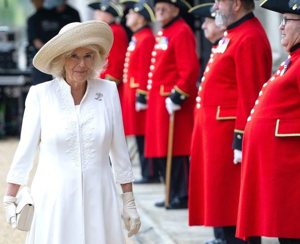Cornwallin herttuatar Camilla täyttää perjantaina 73 vuotta. Camilla vieraili torstaina tapaamassa veteraaneja.