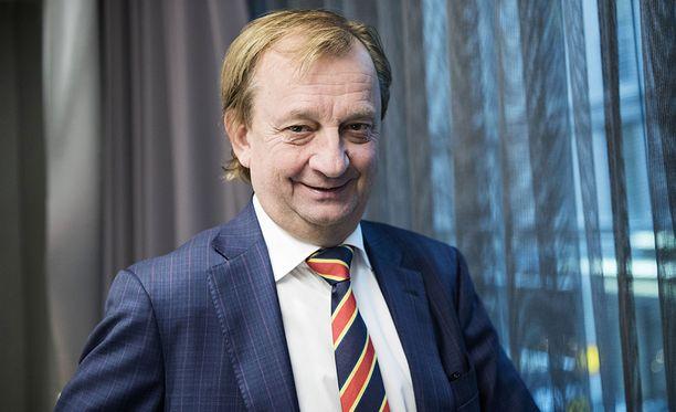 Hjallis Harkimon ymmärrys jääkiekkoilusta on parantunut vuosikymmenien aikana lajin parissa.