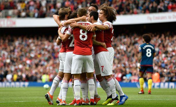 Sunnuntain vetovihje uskoo nousuvireiseen Arsenaliin.