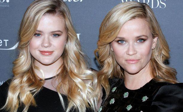 Kuvassa Ava ja Reese kuvattuna marraskuussa.