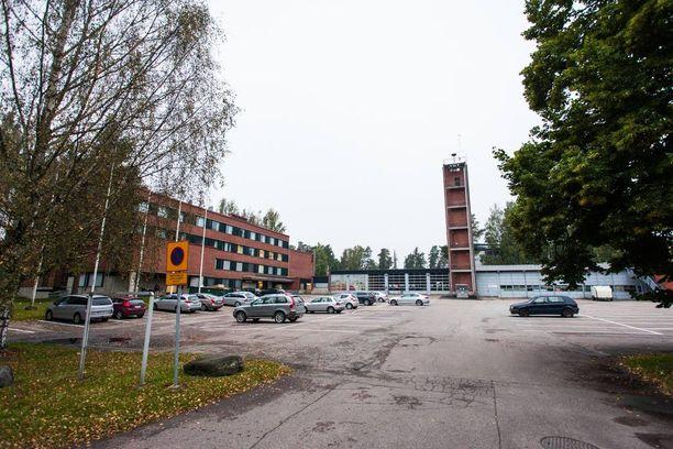 Espoossa Baronan omistamassa entisessä pelastusopistossa on toiminut vastaanottokeskus.