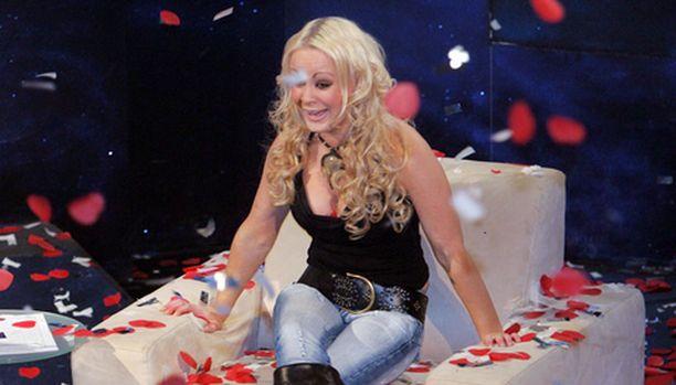 Vuoden 2006 Big Brotherin voittaja on Sari.
