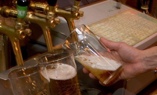Miehen juomatottumukset tulivat työnantajalle yllätyksenä. Arkistokuva.