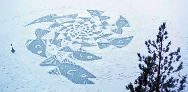 Pyykkö teki tuoreimman Kalapyörre -lumipiirroksensa lapiolla Nuuksiosta löytyvän Hakjärven jäälle. Aikaa tähän kului 3,5 tuntia.