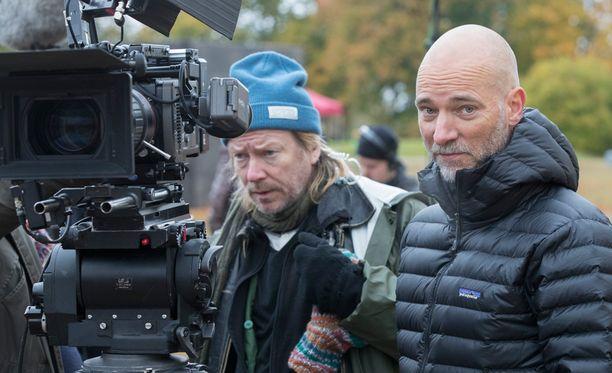 Aku Louhimiehen ohjaama Tuntematon sotilas saa ensi-iltansa lokakuussa 2017.