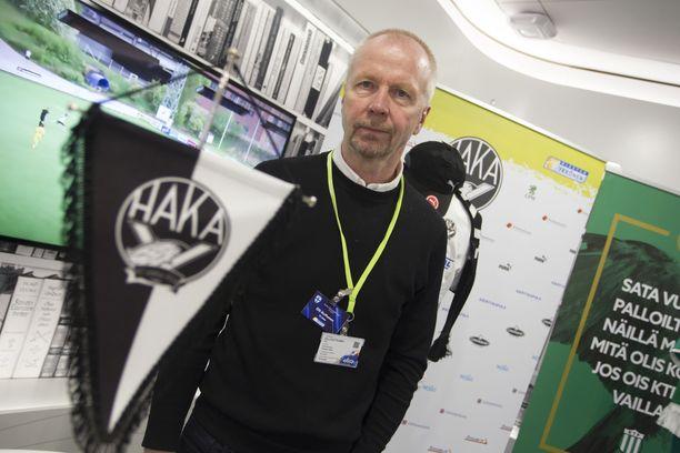 Hakan toimitusjohtaja Olli Huttunen tietää, miksi Teemu Tainio menestyy päävalmentajana.
