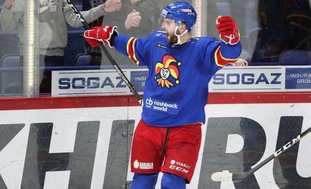 Nicklas Jensen juhlii komeaa 3-1-maaliaan.