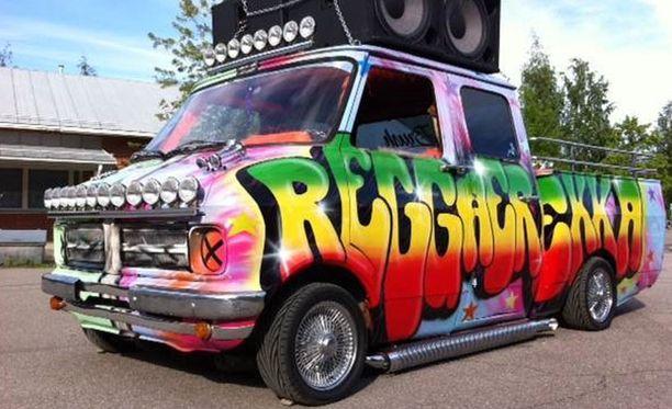 Reggaerekka on näyttävä ilmestys.
