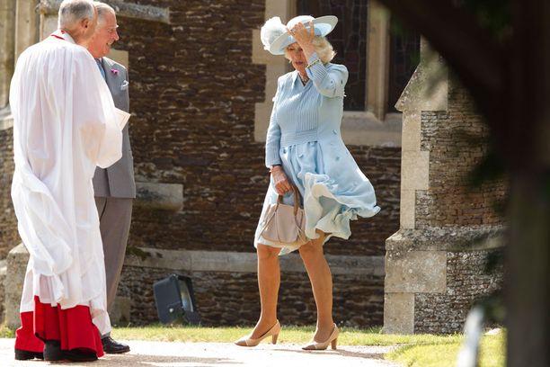 Charlesia huvitti Camillan tuuliongelma.