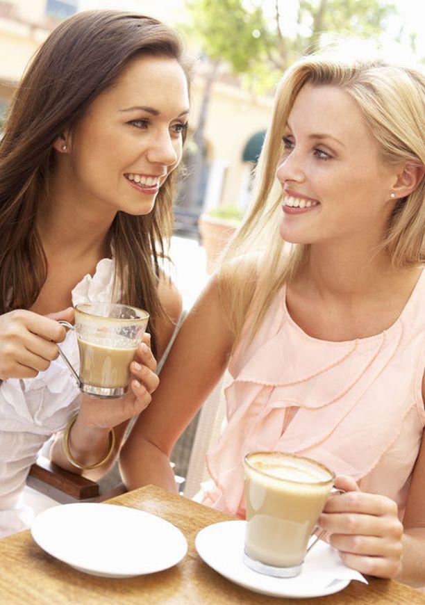 Naiset kadehtivat eniten ystävänsä ulkonäköä.