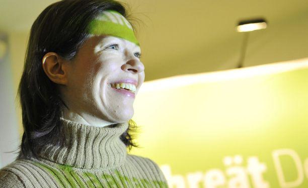Anni Sinnemäki kertoo, että Vihreät pidentäisi työuria ensijaisesti porkkanalla kepin sijaan.