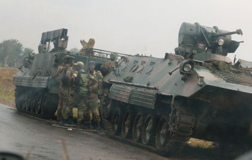 Zimbabwen pääkaupungissa nähtiin tiistaina sotilaita ja panssaroituja ajoneuvoja.