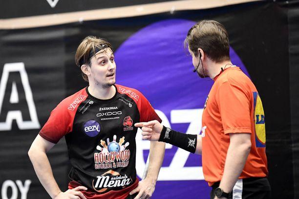 Kaksinkertaisen maailmanmestarin Peter Kotilaisen mielestä puolivälierissä ei ollut selkeää tuomarilinjaa.
