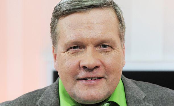 Lauri Karhuvaara ei jatka Studio55.fi -juontajana.