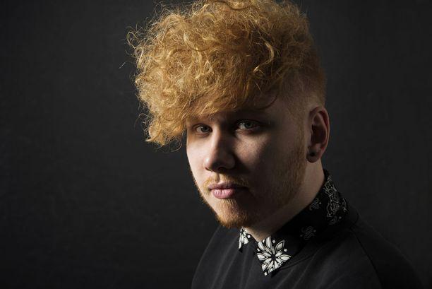 Aleksanteri Hakaniemen mielestä Antti Tuisku on Suomen kovin pop-tähti. Hakaniemi pitää myös esimerkiksi Juha Tapiosta.