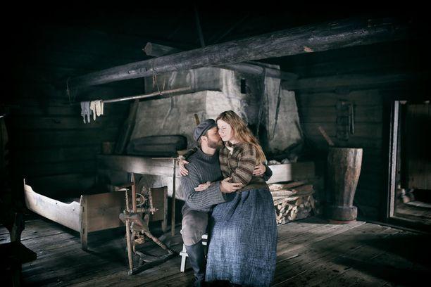 Musikaalin pääparina nähdään Laura Alajääski Maijan roolissa ja Jannena Aaro Wichmann.