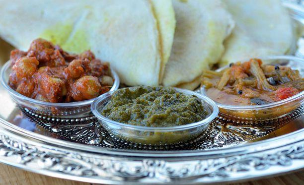 Intialaiset ja nepalilaiset ravintolat säilyttävät edelleen suosionsa. Kuvituskuva.