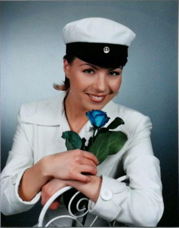 Tämä laulaja valmistui Kemin lukiosta vuonna 1997.