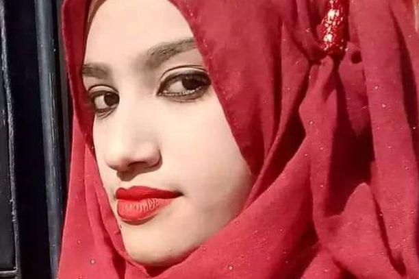 19-vuotias Nusrat Jahan Rafi poltettiin kuoliaaksi sen jälkeen, kun hän syytti koulunsa rehtoria seksuaalisesta hyväksikäytöstä.