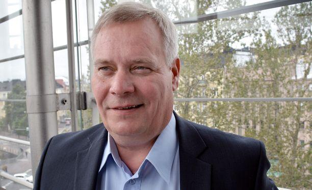 Rinne tarjosi puoluetoveriaan Lauri Ihalaista hallituksen ja työmarkkinajärjestöjen välisen umpisolmun avaajaksi.