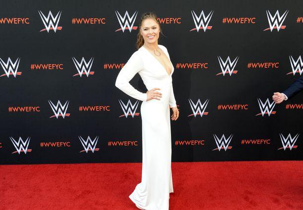 Ronda Rousey on viime vuosina keskittynyt showpainiin ja näyttelemiseen UFC-otteluiden sijasta.