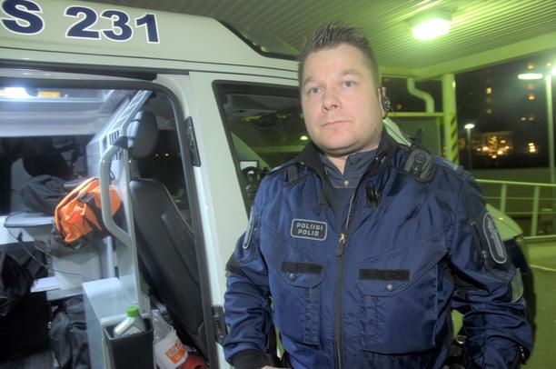 – Aineita on liikenteessä tosi paljon, ja niitä saavat haltuunsa entistä nuoremmat ihmiset, sanoo ylikonstaapeli Antti Ahti.