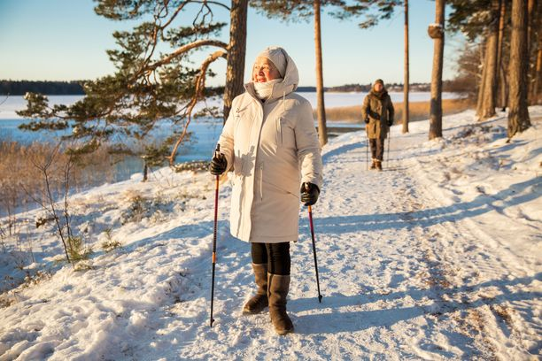 Jo puolen tunnin päivittäinen kävelylenkki auttaa laskemaan tehokkaasti verenpainetta.