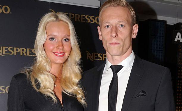 Metti ja Mikael viettävät elokuuussa yksivuotishääpäiväänsä.