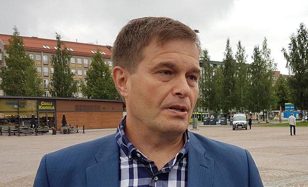 Kansanedustaja Kari Tolvanen on hämmentynyt Jari Aarnion tuoreimmista syytteistä.