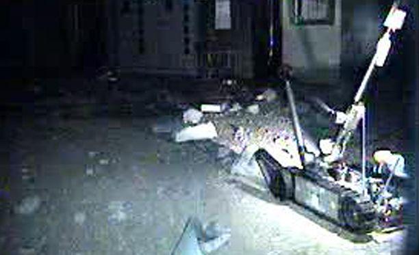 Helmikuussa tuhoutuneelle ydinvoimalaitokselle lähetetty robotti kesti vain kaksi tuntia.