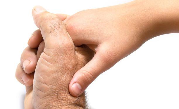 Suomen Syöpäyhdistyksen mukaan syöpäpotilaat kertovat kaikkein tärkeimmäksi asiaksi parantumisessa läheisten tuen.