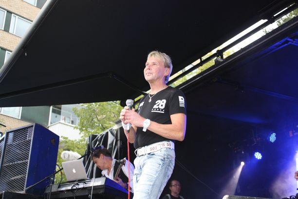 Matti Nykänen oli otettu saadessaan esiintyä Stanley Cup -juhlissa.