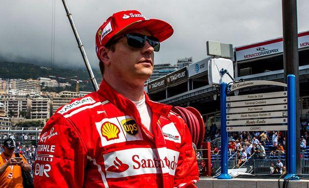 Kimi Räikkönen keräilee sakkoja Monacossa.