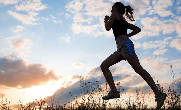 Juoksu on hyvä tapaa polttaa rasvaa - myös reisistä.