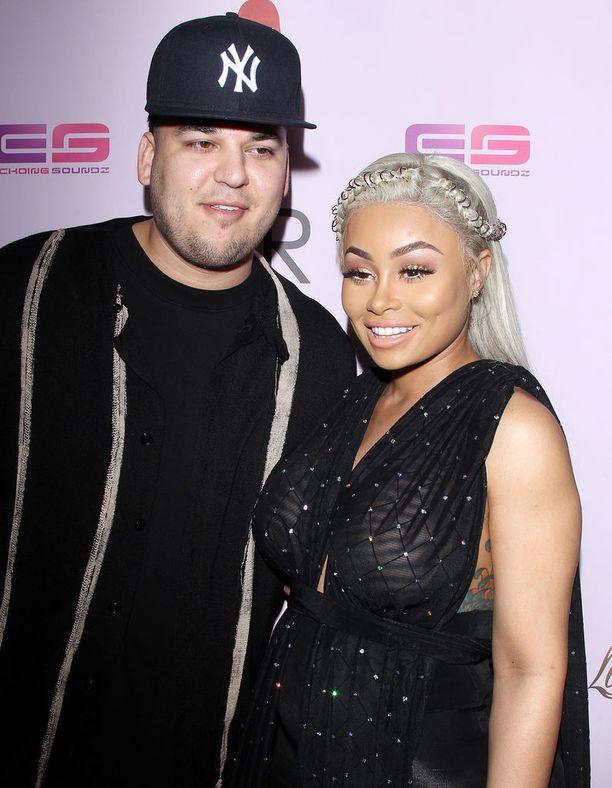 Rob Kardashianin ja Blac Chynan parisuhteessa riitti käänteitä.