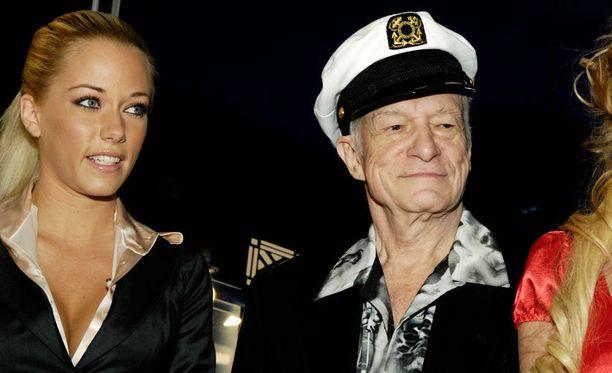 Kendra Wilkinson ja Hugh Hefner vuonna 2007.