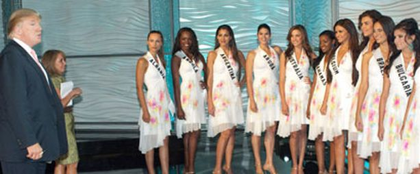 Trump puhuu Miss Universum -kilpailijoille