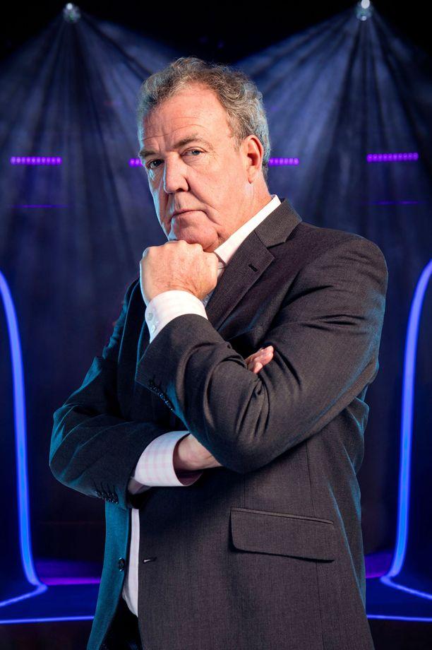 Jeremy Clarkson luotsaa brittien Haluatko miljonääriksi? -ohjelmaa.