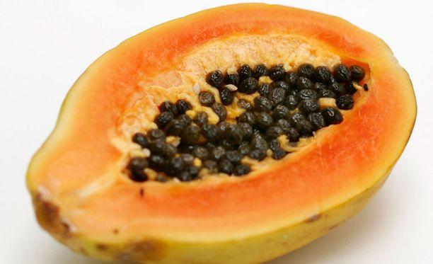 """Valko-Venäjä on vienyt Venäjälle jopa """"kotimaista"""" papaijaa."""