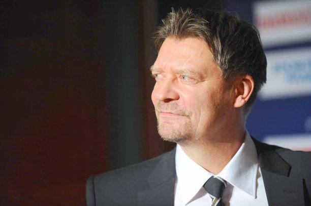 Jukka Jalonen muistuttaa saunailtakulttuurin vähentyneen.