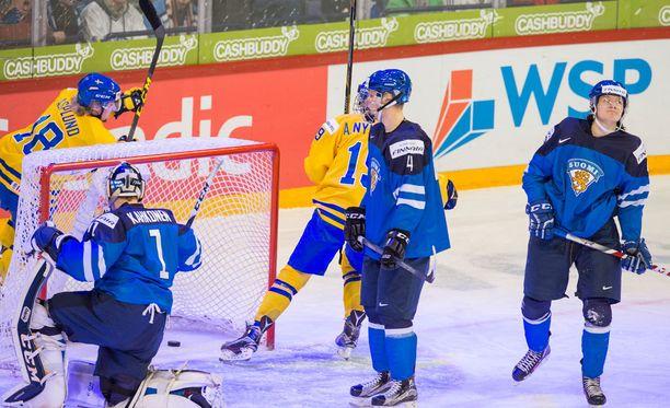 Alkuun näytti pahalta, kun Ruotsi karkasi 1-0-johtoon.