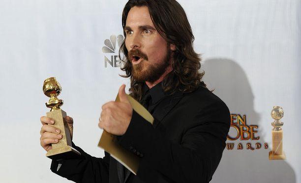 Christian Bale palkittiin Kultaisella maapallolla.