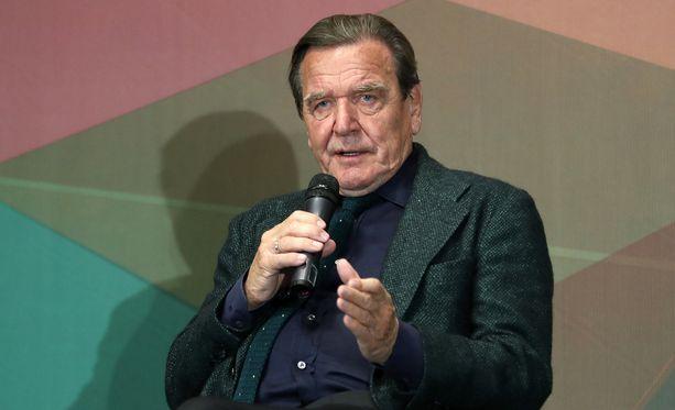 Gerhard Schröder toimi Saksan liittokanslerina vuosina 1998-2005.