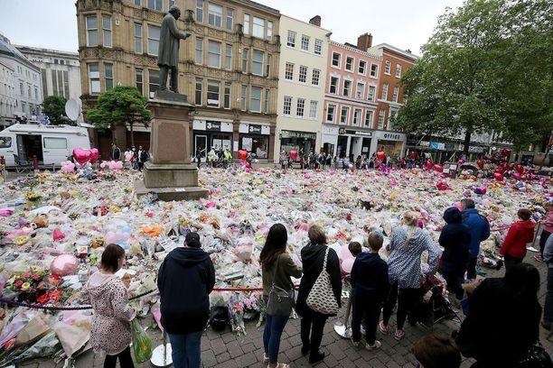 Manchesterin terrori-isku nosti keskusteluun radikaalin islamin kitkemisen Euroopassa. Iskussa kuoli 22. toukokuuta 22 ihmistä. Lisäksi ainakin 120 ihmistä loukkaantui.