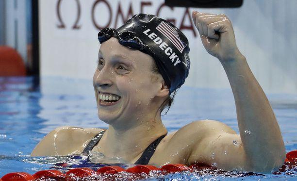 Katie Ledecky vei olympiakullan uudella ME:llä.