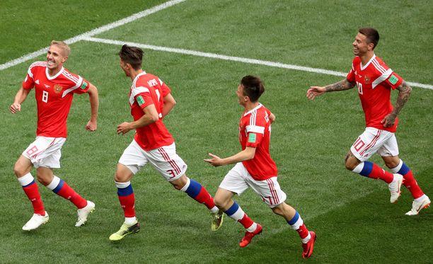 Juri Gazinski teki Venäjän MM-turnauksen ensimmäisen maalin.