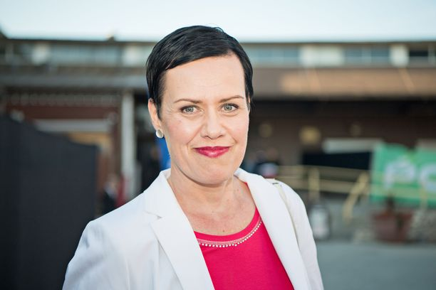 Kansanedustaja Maarit Feldt-Ranta esitti epäluottamusta ulkoministeri Timo Soinille.