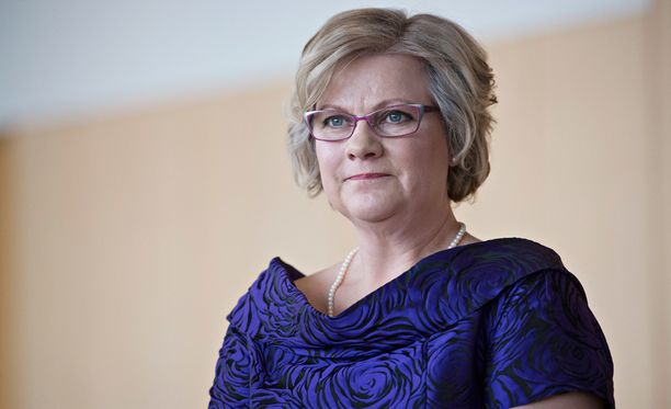 Minna-Maaria Sipilä kertoo Kotiliedessä perheen suuresta surusta, Tuomo-pojan menehtymisestä.