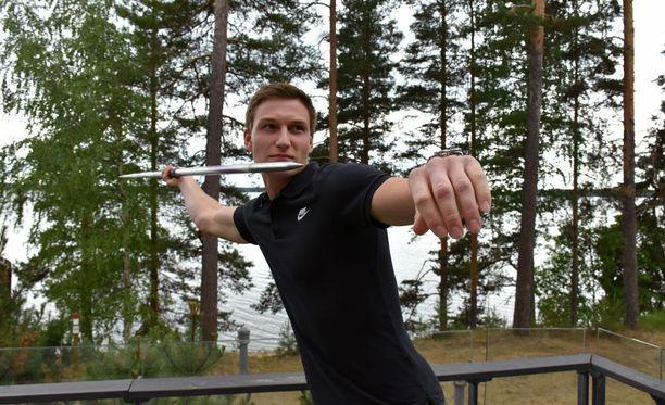 Thomas Röhler vietää juhannusta Pohjanmaalla. Hän saapui Suomeen keskiviikkona ja matkustaa Saksaan sunnuntaina.